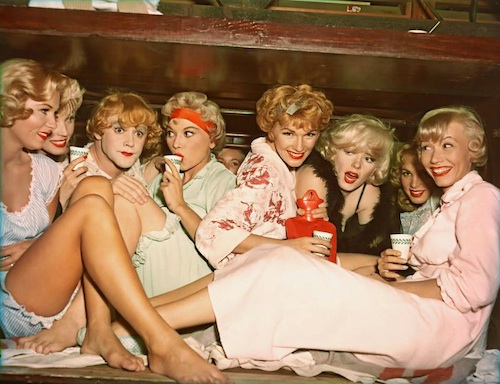 jack lemmon amongst band ladies in some like it hot-